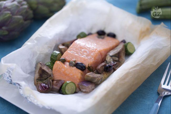 Ricetta salmone al cartoccio con verdurine miste
