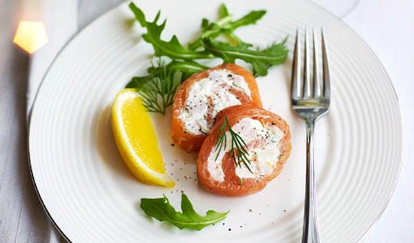 Rotolini di salmone alla crema di formaggio