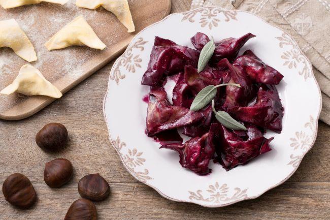 Ricetta ravioli di castagne e salsiccia