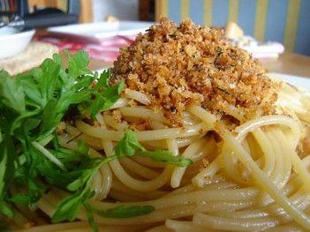 Ricetta spaghetti in crema di cipolla e pangrattato