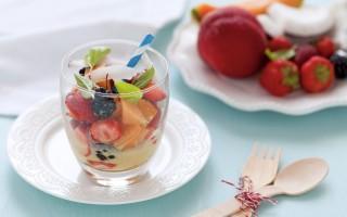 Ricetta frutta mista al latte di cocco e zafferano