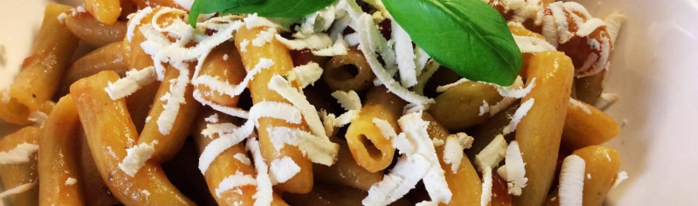 Ricetta pasta con ricotta e pomodoro