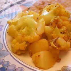 Patate e cavolfiore all'indiana (aloo gobi ki subzi)