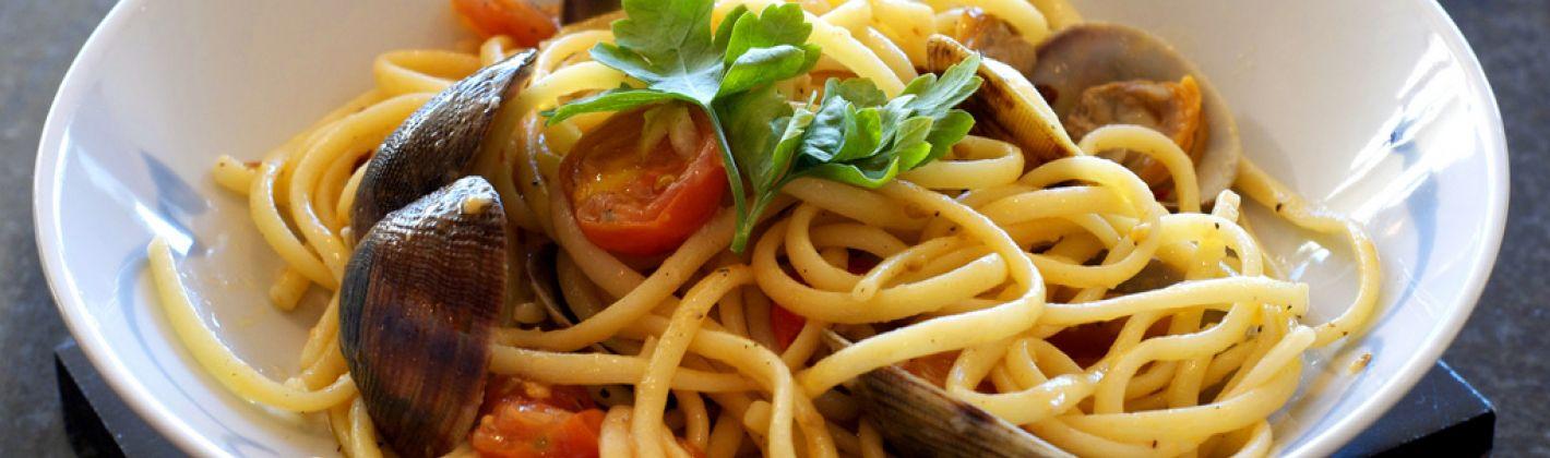 Ricetta spaghetti alle vongole con il pomodoro
