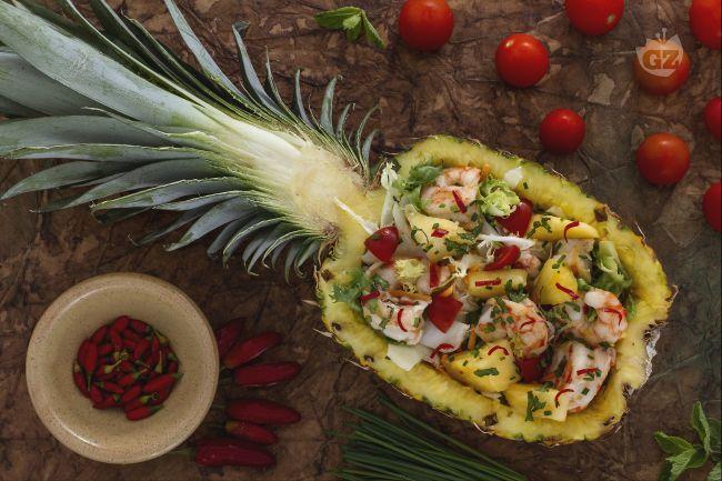 Ricetta insalata con gamberi nell'ananas