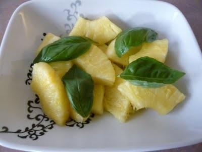 Ricetta ananas al basilico