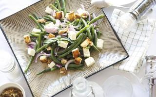 Ricetta insalata di fagiolini, feta e noci