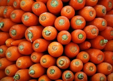 Ricetta rotoli con crema di carciofi e salsa di carote