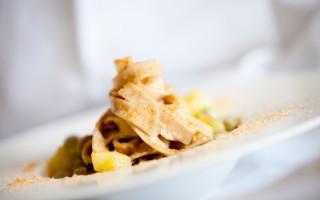 Ricetta tagliatelle di grano tumminia con fave, patate e bottarga di ...