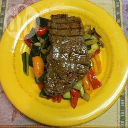 Bistecca con verdure al cartoccio