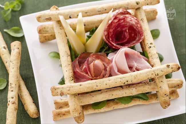 Ricetta scatola di sfilati alle olive con salumi e formaggi