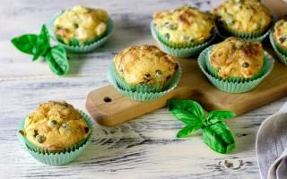 Ricetta muffin salati piselli e salsiccia