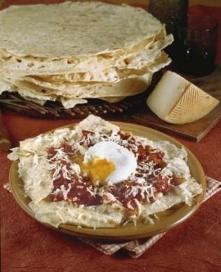 Ricetta pane frattau con uova in camicia e pecorino
