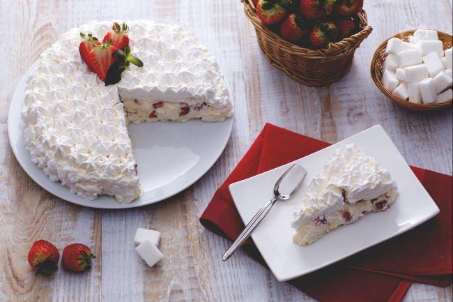 Ricetta torta meringata alle fragole