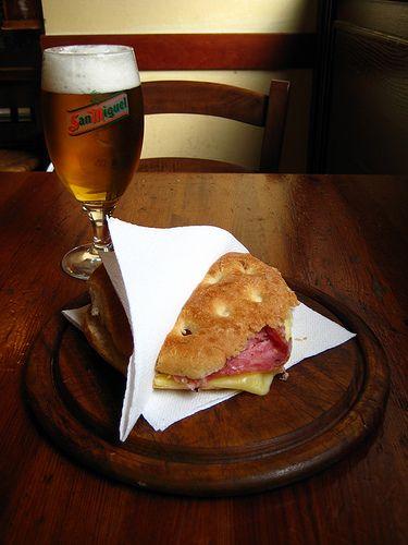 Ricetta panini con finocchiona, fontina e olive