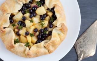 Ricetta crostata di mele e mirtilli
