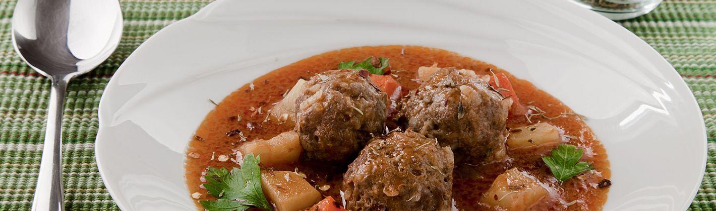 Ricetta polpette di carne in salsa della cucina turca (terbiyeli sulu ...