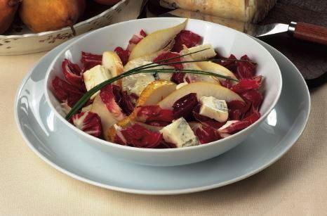 Insalata di radicchio con pere e gorgonzola