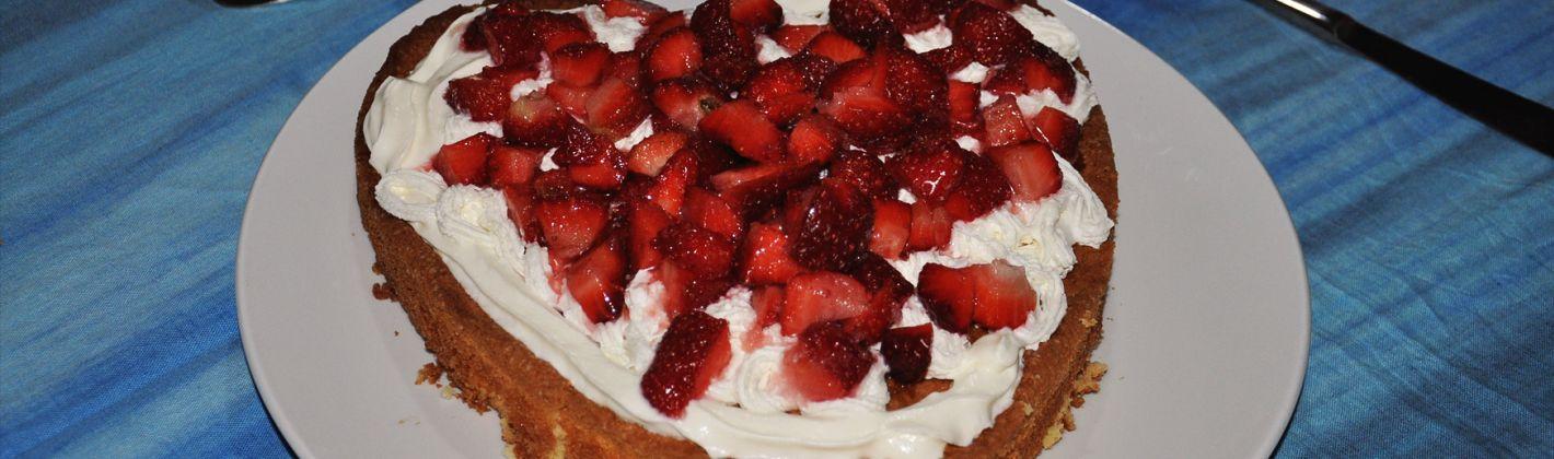 Ricetta torta a cuore con le fragole