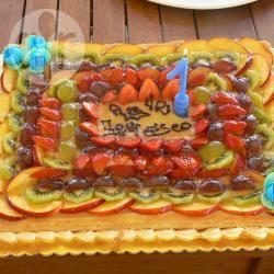 Torta di compleanno superveloce con frutta e budino