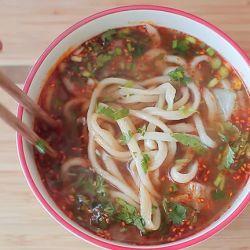 Zuppa di noodle cinesi