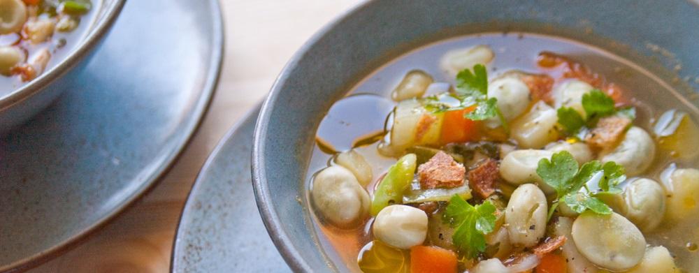 Zuppa di fave e verdure