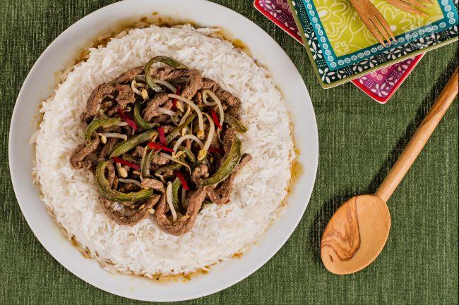 Ricetta manzo piccante con peperoni e germogli di soia