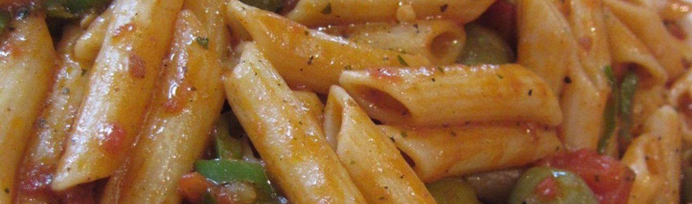 Ricetta pasta di riso con olive taggiasche e pinoli