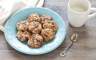 Ricetta biscotti ai fiocchi d'avena con cioccolato e ananas ...
