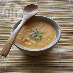 Ash-e-jow (zuppa d'orzo persiana)