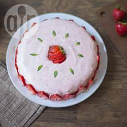 Cheesecake al basilico con mousse di fragole
