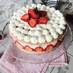 Fraisier (torta alla crema e fragole francese)