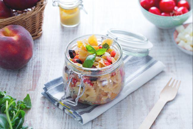 Ricetta insalata di pasta con le pesche
