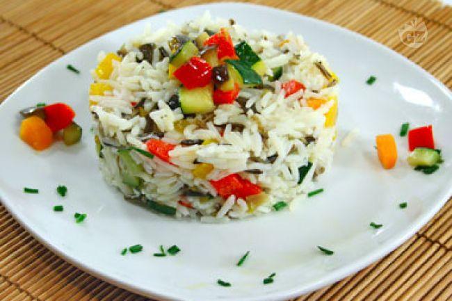 Ricetta insalata di riso basmati e selvaggio alle verdure