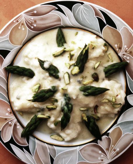 Riso asparagi e fonduta di gorgonzola e pistacchi