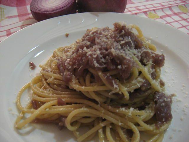 Ricetta spaghetti con cipolla rossa