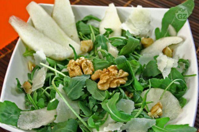 Ricetta insalata di rucola, pere, grana e noci