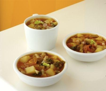 Ricetta pancetta affumicata e zuppa di cavolo