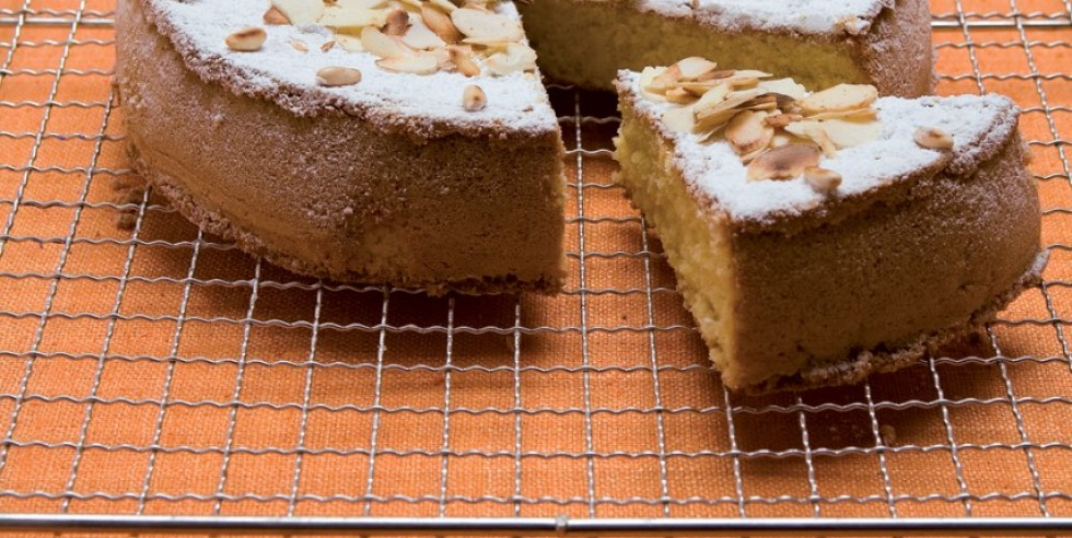 Ricetta torta con pinoli e mandorle
