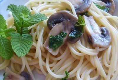 Spaghetti ai funghi prataioli