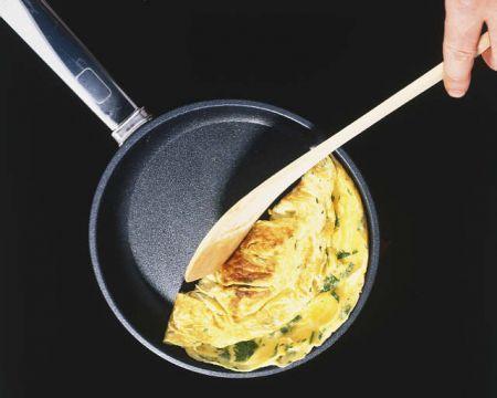 Ricetta omelette di patate con formaggio e spinaci