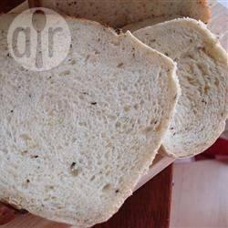 Pane in cassetta con parmigiano ed erbe
