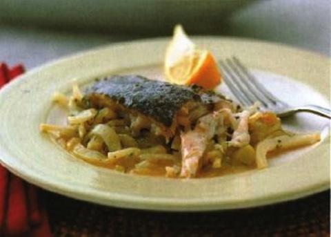 Pesce al forno con finocchi