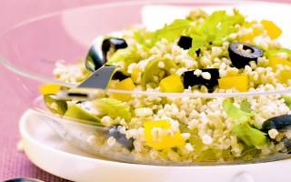 Ricetta insalata di grano con olive e sedano