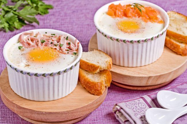 Ricetta uova in cocotte con salmone