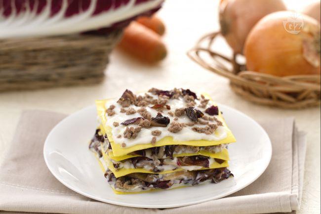 Ricetta lasagne al radicchio e montasio