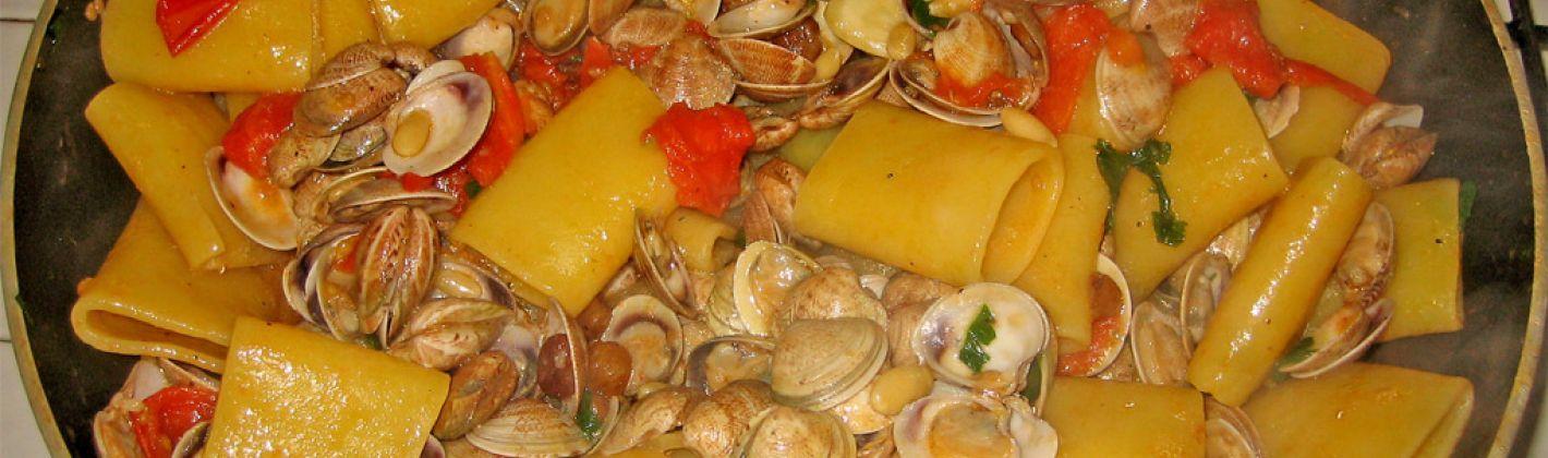 Ricetta paccheri con vongole e zucchine