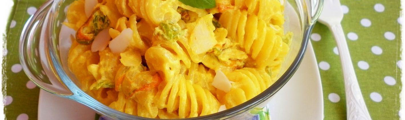Ricetta pasta in salsa di fiori di zucca