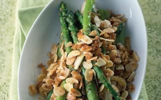 Ricetta asparagi alle mandorle