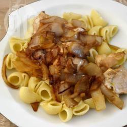 Petto di pollo con cipolle, cotto senza grassi
